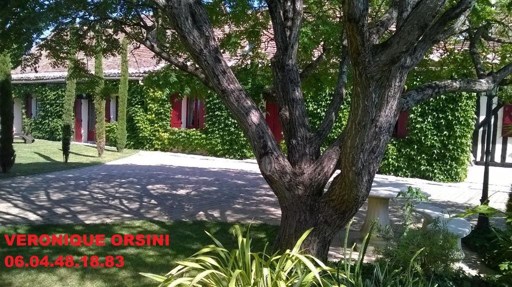 Maison Montpon Menesterol 8 pièce(s) 200 m2