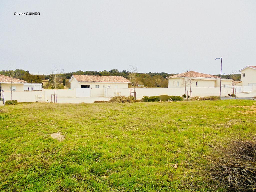Terrain constructible et viabilisé de 600 m2