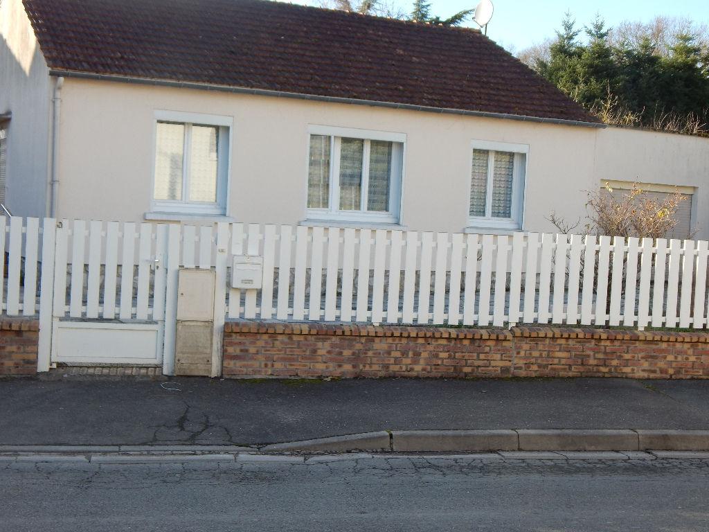 Maison  4 pièces proche du bourg. Plain pied