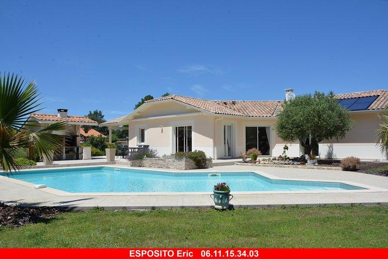 Villa T6 avec piscine sur 3000 m² paysager