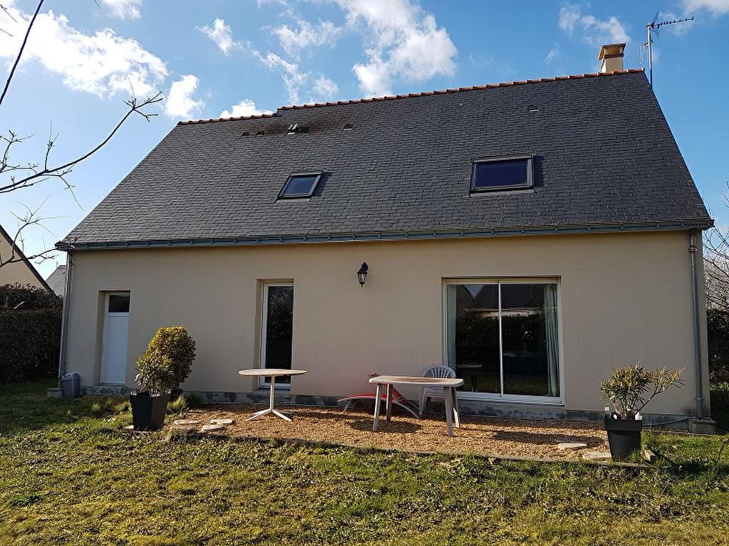 Maison La Menitre 5 pièce(s) 106 m2