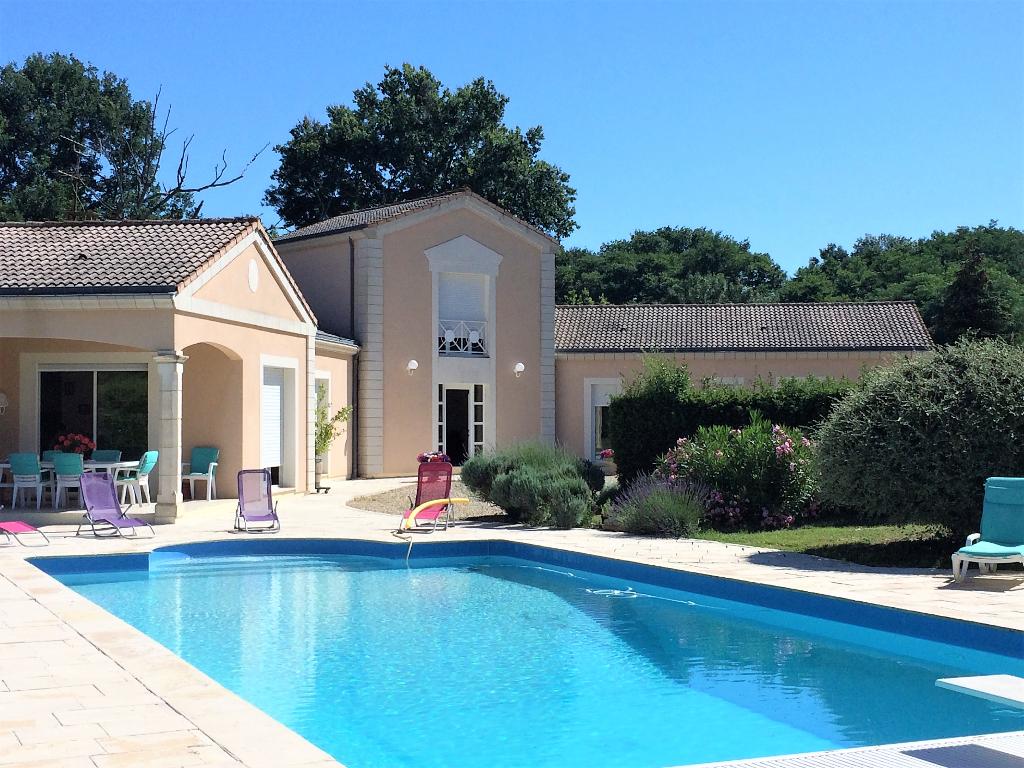 Demeure de prestige style architecte, piscine, 9 pièce(s) 320 m2