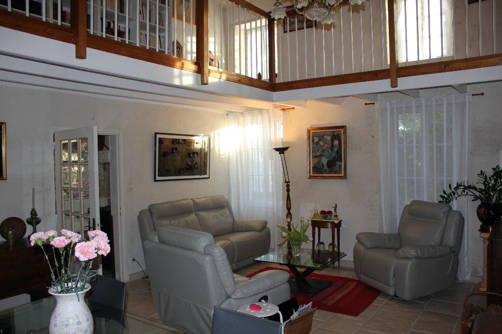 Maison Arces 7 pièce(s) 169 m2
