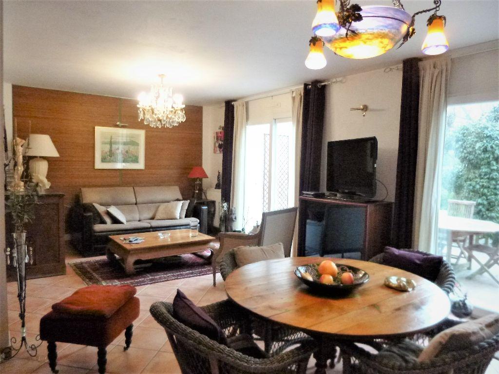 vente maison 140 m lorient 56100. Black Bedroom Furniture Sets. Home Design Ideas
