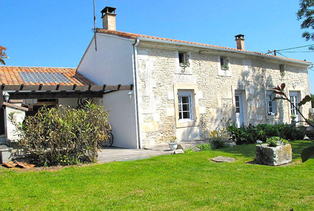 Charentaise 5 chambres Piscine 228 778 euros HAI