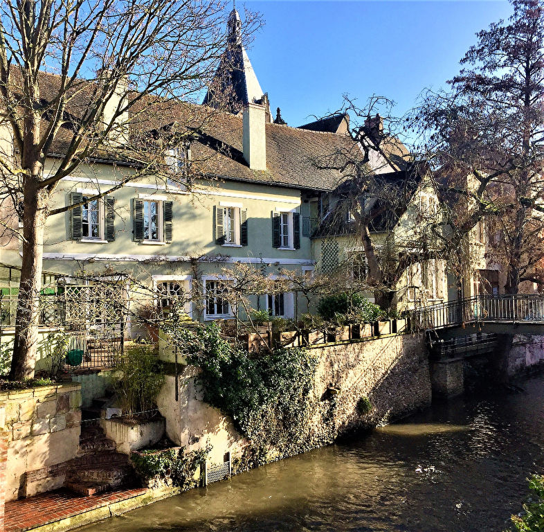 Bien d'exception, coeur de ville Dreux 7 pièces 362 m2