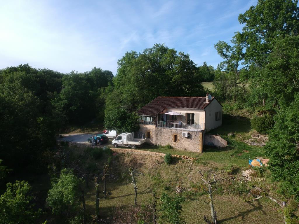 maison avec vue sur la vallee