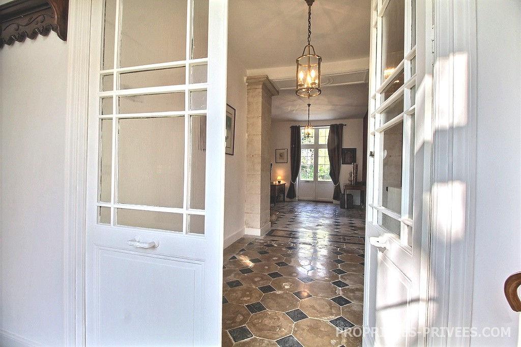 Demeure de prestige La Rochelle 8 pièce(s) 360 m2 698 000 euros