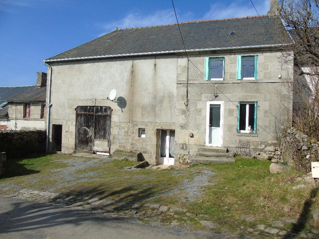 23000 PEYRABOUT - Maison rénovée 5 pièces de 85 m2 + grange attenante