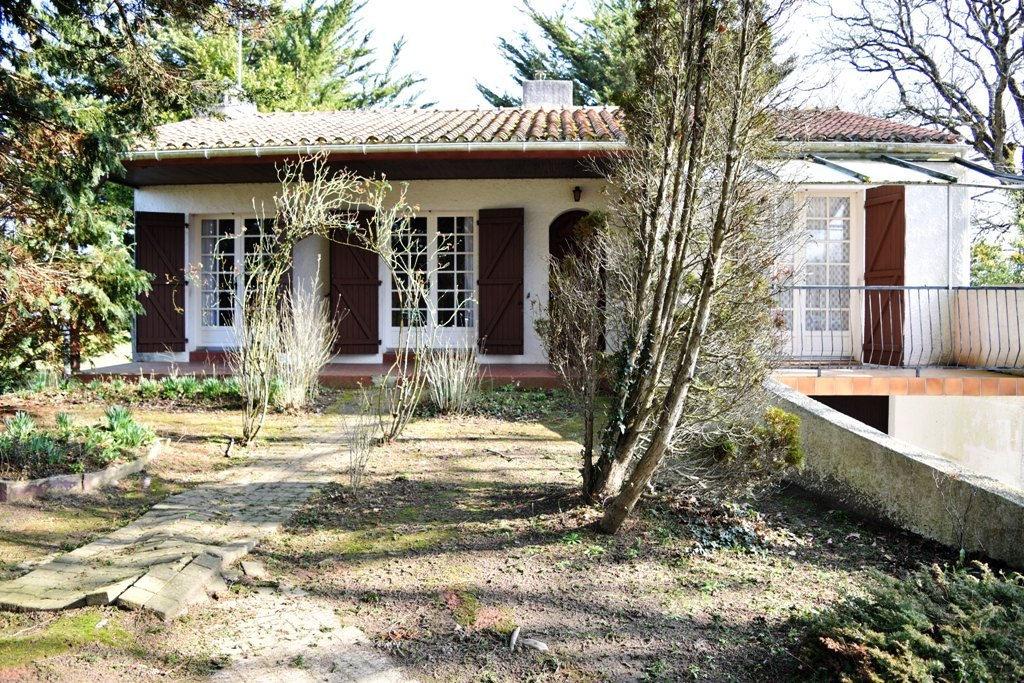 VENDEE Maison Grosbreuil 4 pièces 85 m2 (85440)