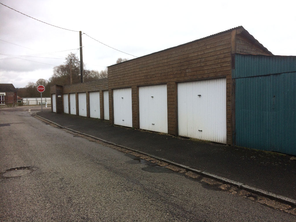 Lot de  9 Garages, centre ville