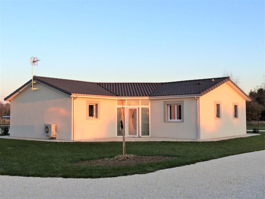 Vente maison neuve 100 m montpon menesterol 24700 for Vente maison neuve jacou