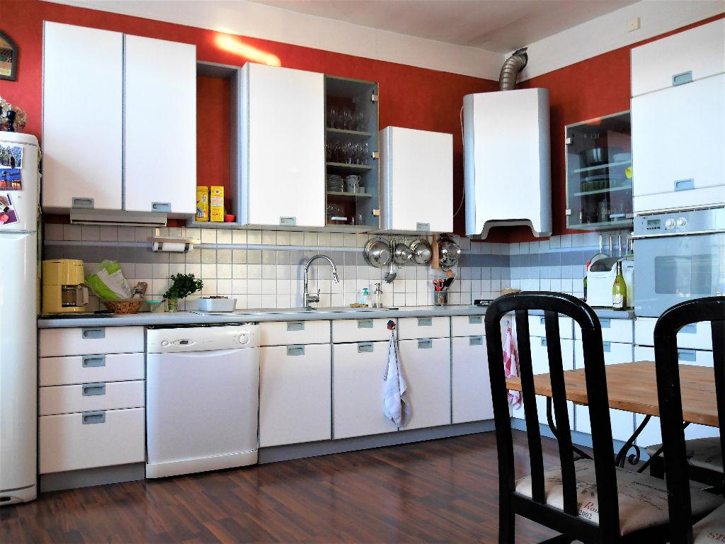 Vente maison de ville 220 m dreux 28100 for Location garage dreux