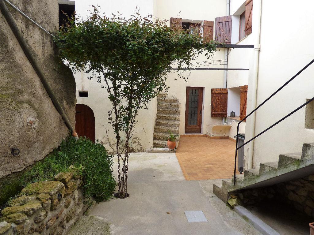 Maison Montagnac - 7 piece(s) - 200 m2 avec garage et extérieurs