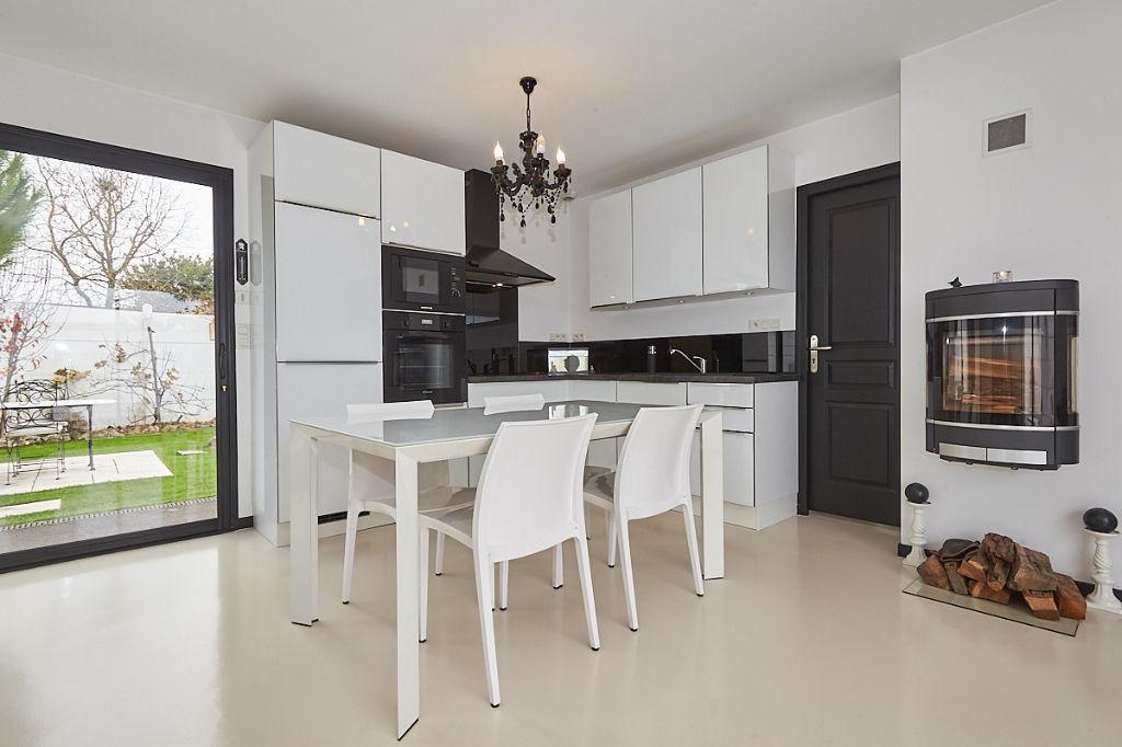 Maison - 7 piece(s) - 130 m2