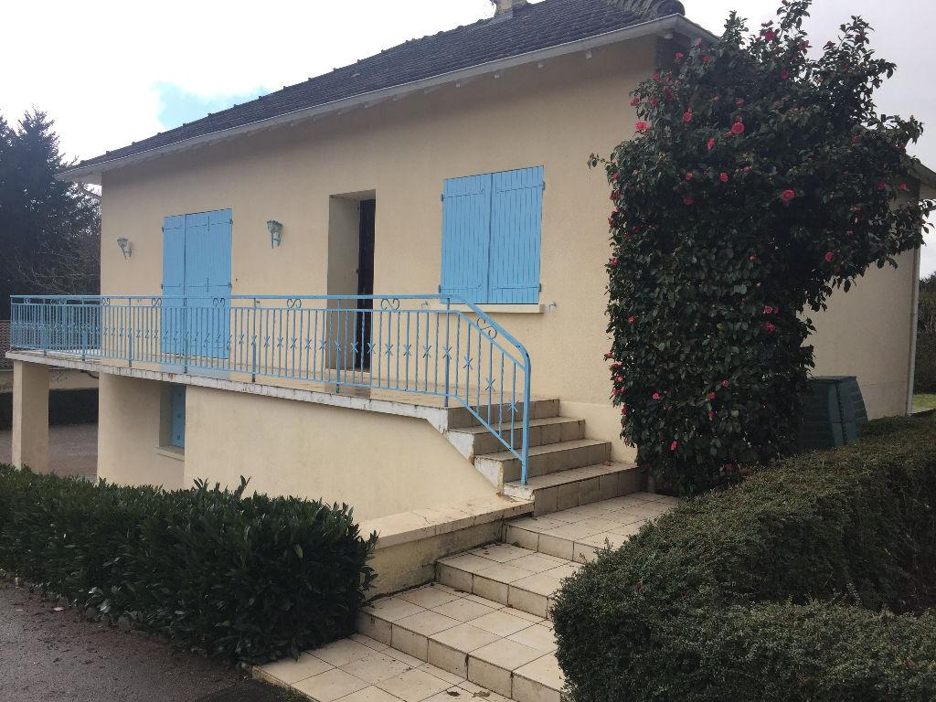 Maison Brigueuil 7 pièce(s) 125 m2
