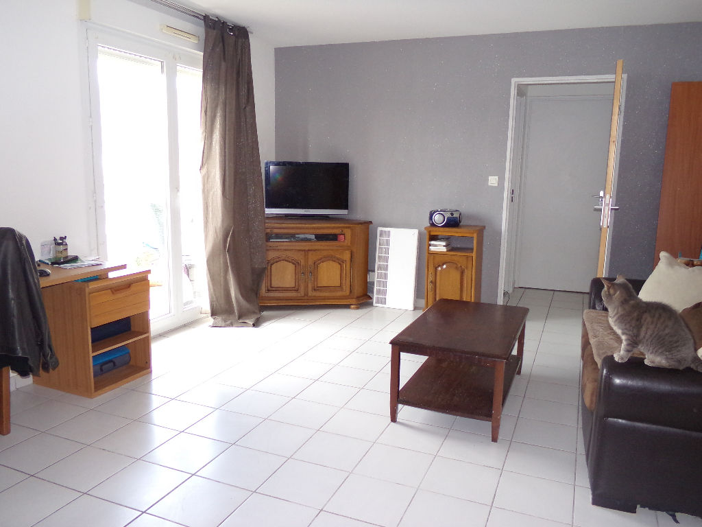 56700 HENNEBONT T2 parking balcon 79 990 FAI
