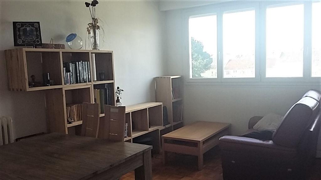 56600 Lanester Prix attractif pour investisseur appartement T2 55 m2 + 1 garage + 1 cave actuellement loué