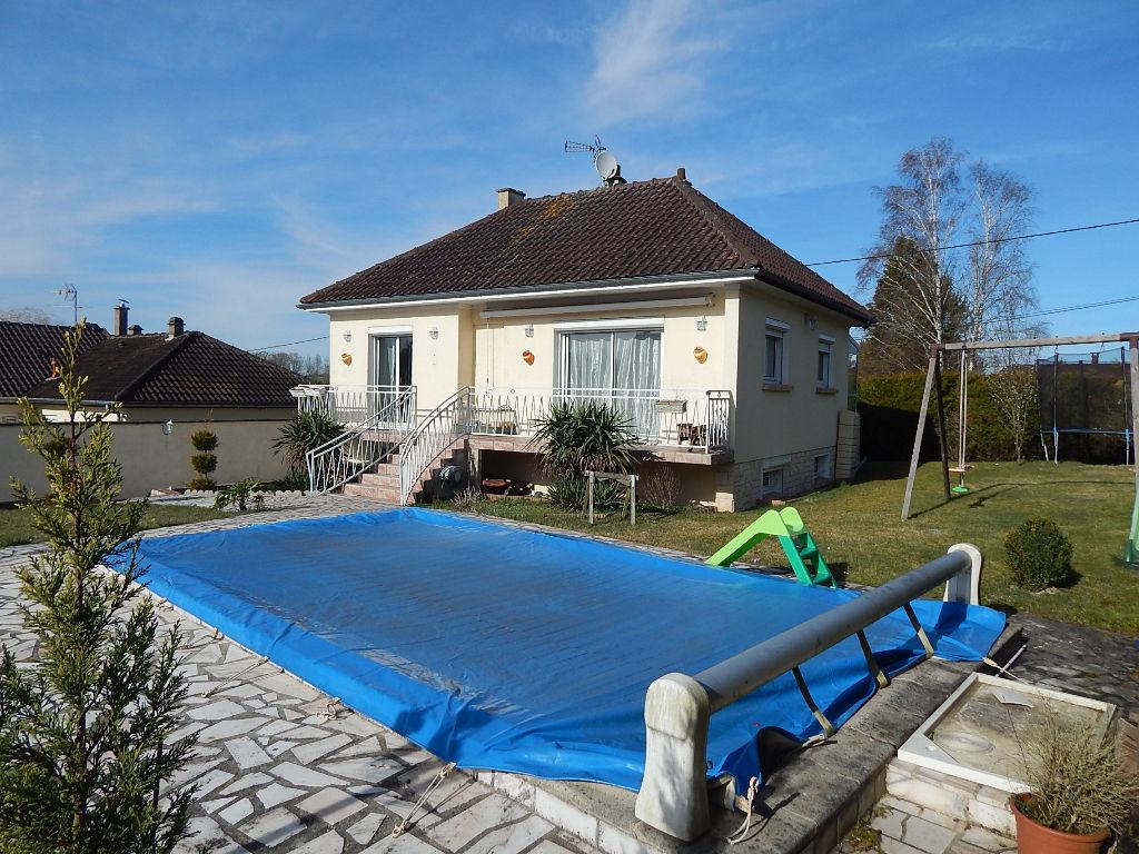 Maison avec piscine Thorigny Sur Oreuse 5 pièce(s) 115 m2