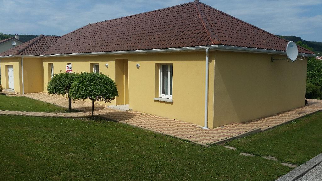 Beau Pavillon de plain pied récent de 143 m² habitable avec son Terrain de 1940 m² et sa Dépendance