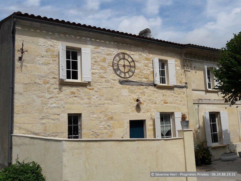 Maison en pierre 190m² 4 chambres Cézac (33620)