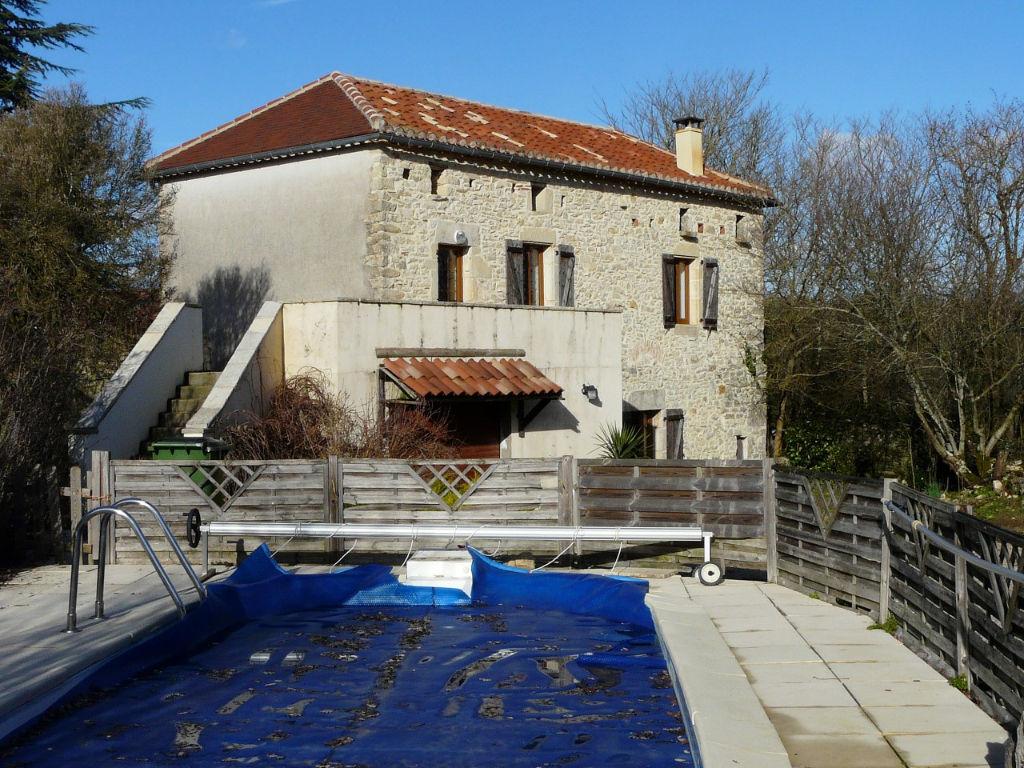 Maison en pierre avec piscine proche de Cahors