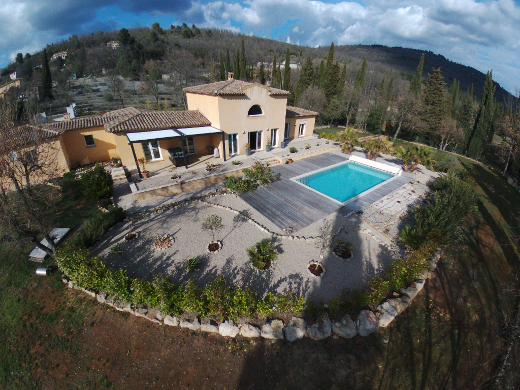 Villa d'Architecte  Saint Cézaire Sur Siagne 6 pièce(s) 200 m2