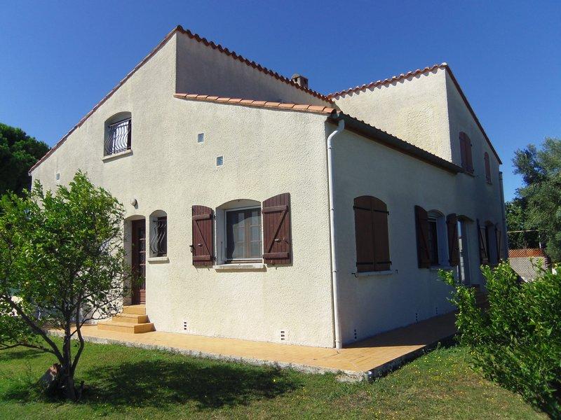 Grande maison familiale avec piscine sur 1500 m²