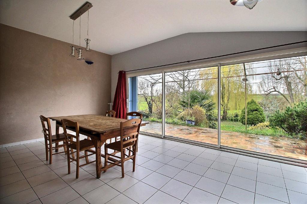 Maison Saint Savinien 10 pièce(s) 262 m2
