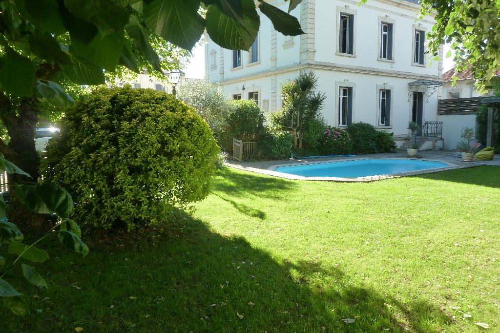 A vendre grande maison de maître  avec piscine secteur Castres-Mazamet