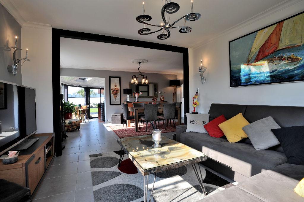 Vente maison 4 chambres  - 22700 Louannec