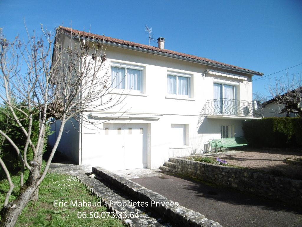 Maison proche bourg de Verteillac, 3 chambres, garage et jardin clos
