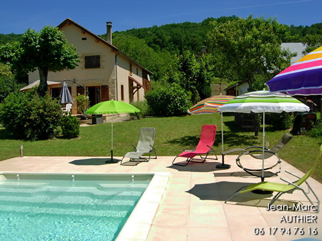 Belle vue, 4 chambres, piscine, 12 km de Sarlat