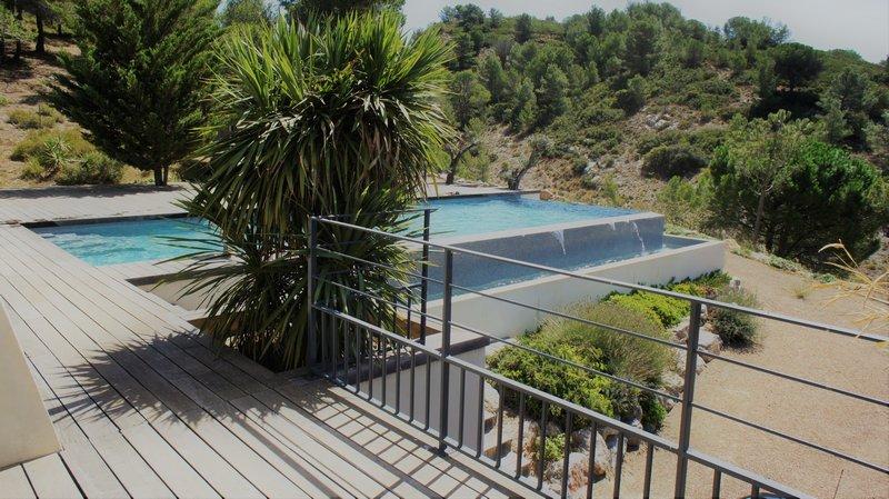 Villa d architecte avec piscine et studio attenant, proche Narbonne 11100