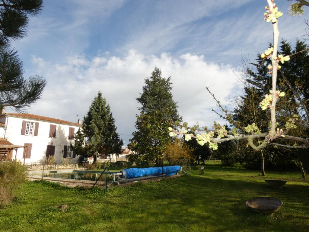 Maison Velluire 260 m2