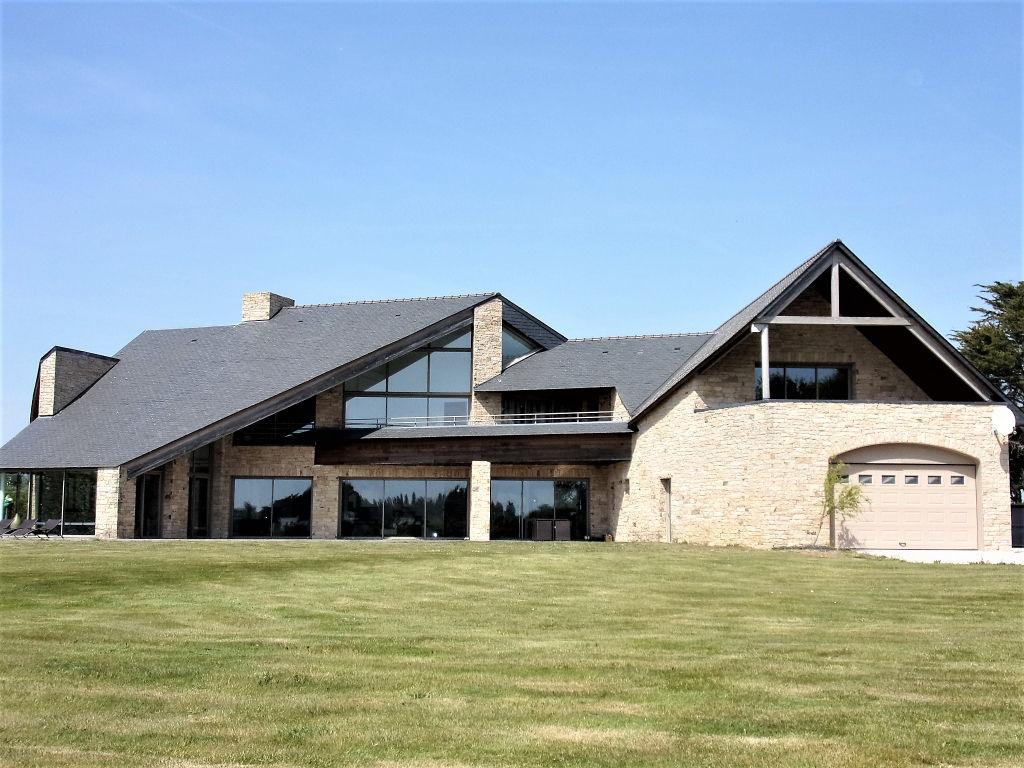 56370 Le Tour du Parc Maison d'Architecte  - 9 piece(s) - 480 m2 sur 6400 m² de terrain Prix 1 545 540  HAI