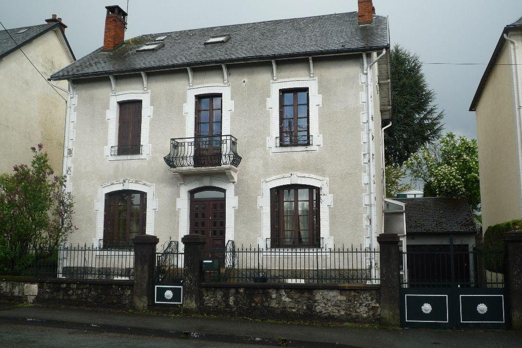 Maison Ussel 6 pièce(s) 174 m2