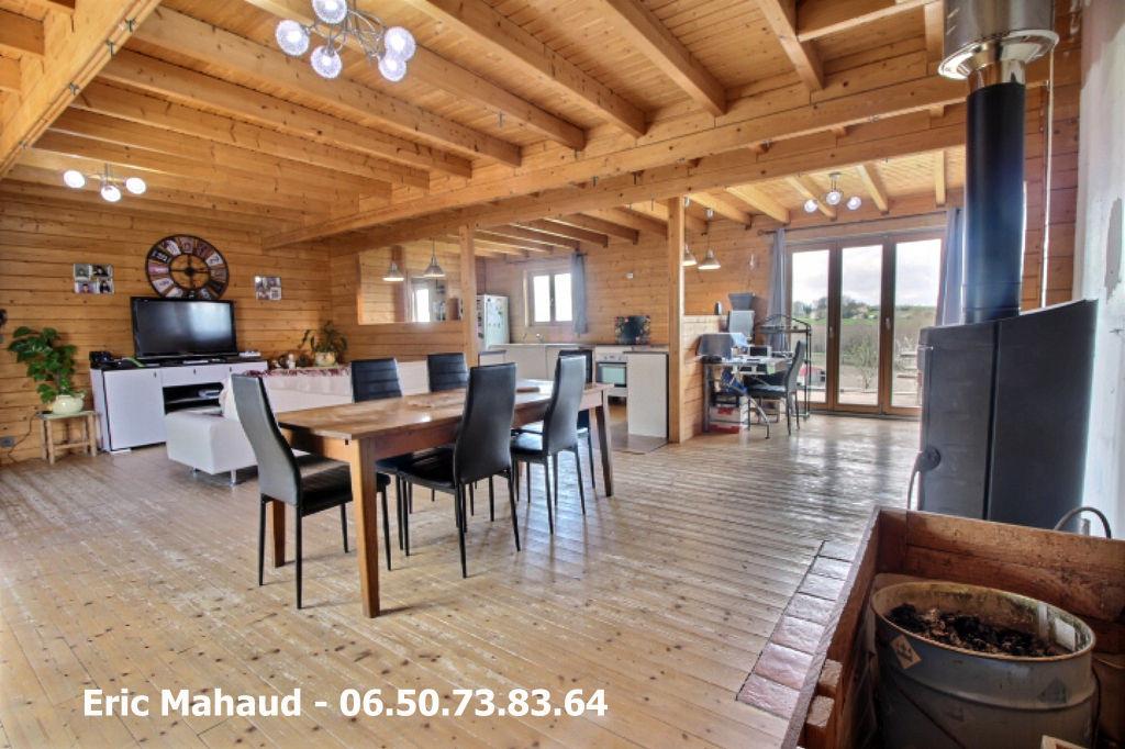 Maison bois de plain pied entre Saint Meard De Drone et Villetoureix 7 pièce(s) 146 m2