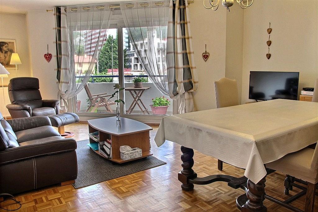 Cluses, 74300, appartement F 4, avec balcon, bon standing