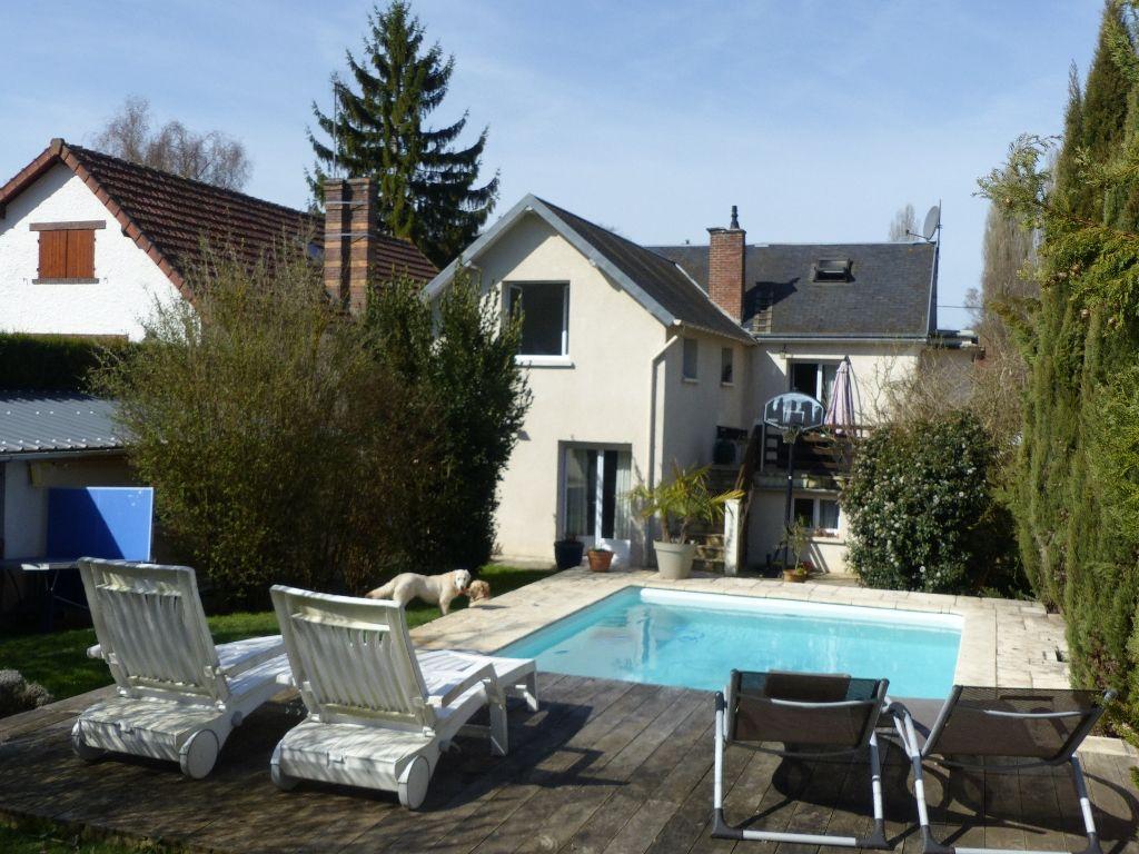 Maison Cherisy 6 pièce(s) 150 m2