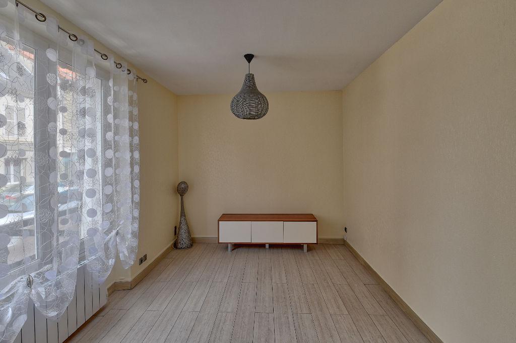 Appartement T2 - 49m2 - 02460 LA FERTÉ MILON