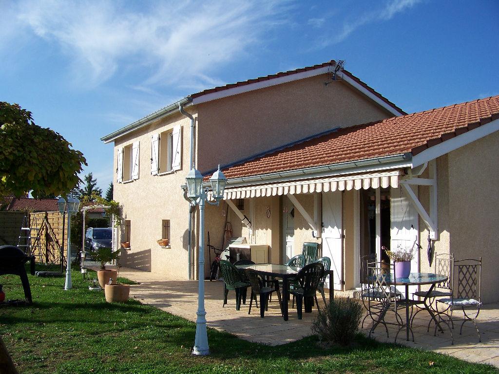 Belle maison de 2007 sur 1000 m² de terrain
