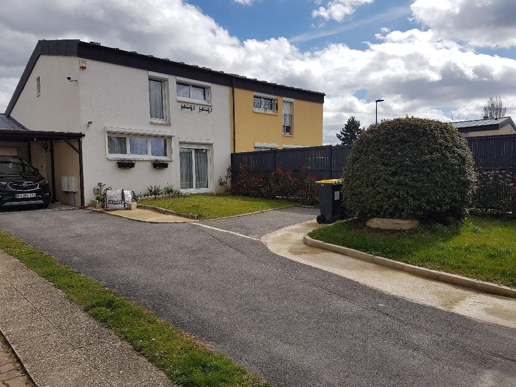 Maison Menucourt 4 pièce(s) 75 m2