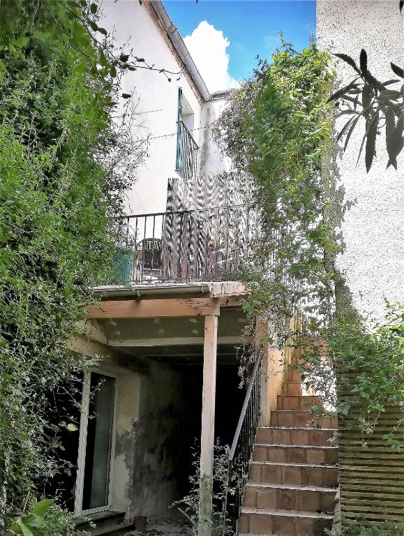 Maison Montbazin (34) 6 pièce(s) 150 m2 avec cour et terrasses