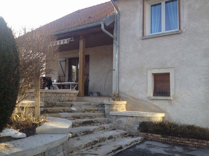 39400 La Mouille-Maison 159m² - 4 chambres - grand sous-sol - Beau terrain - 249000