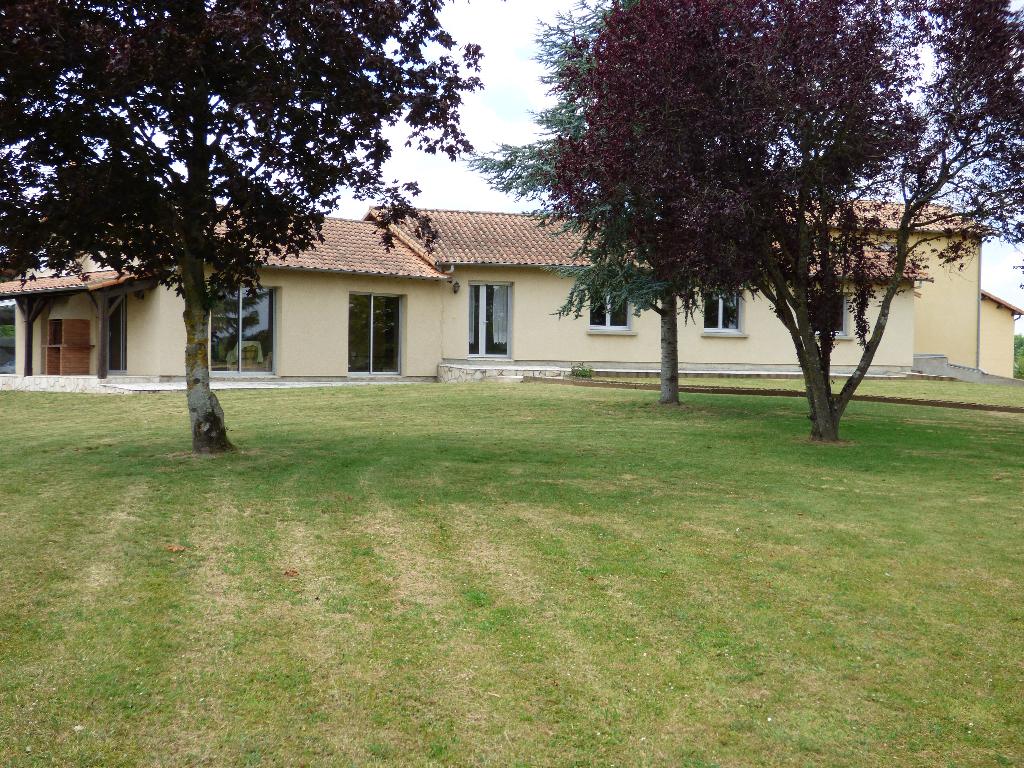 Maison La Fosse De Tigne 7 pièce(s) 193 m2