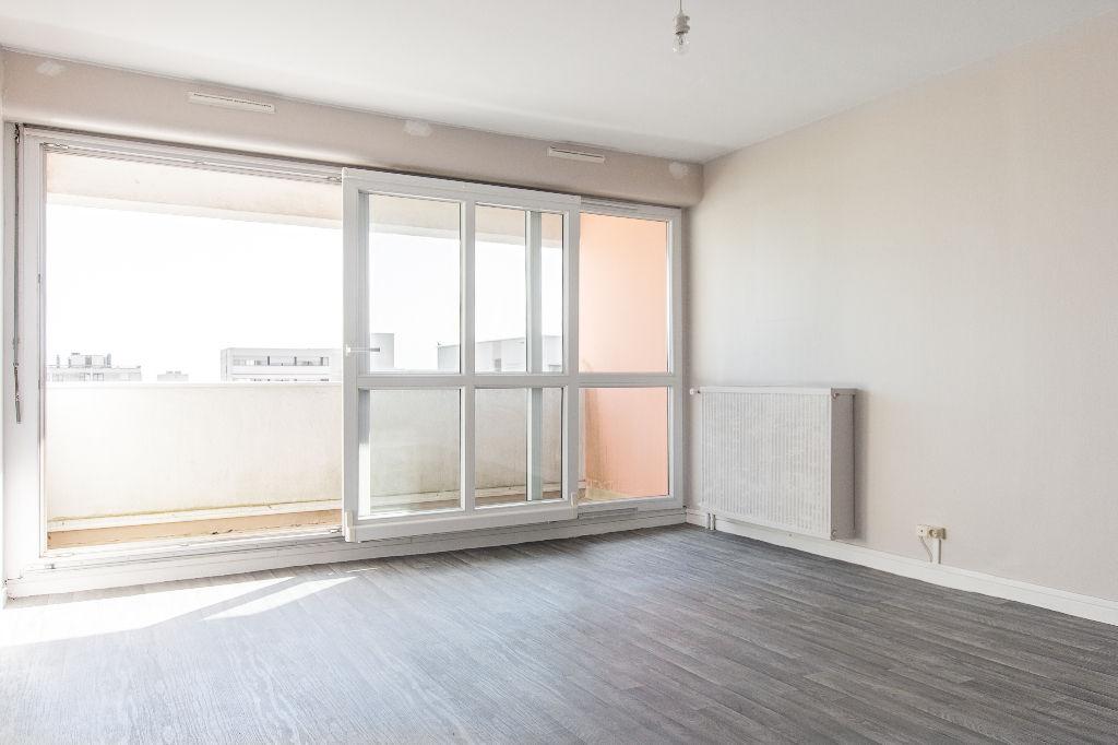 Appartement Mont Saint Aignan 2 pièces, balcon avec vue dégagée