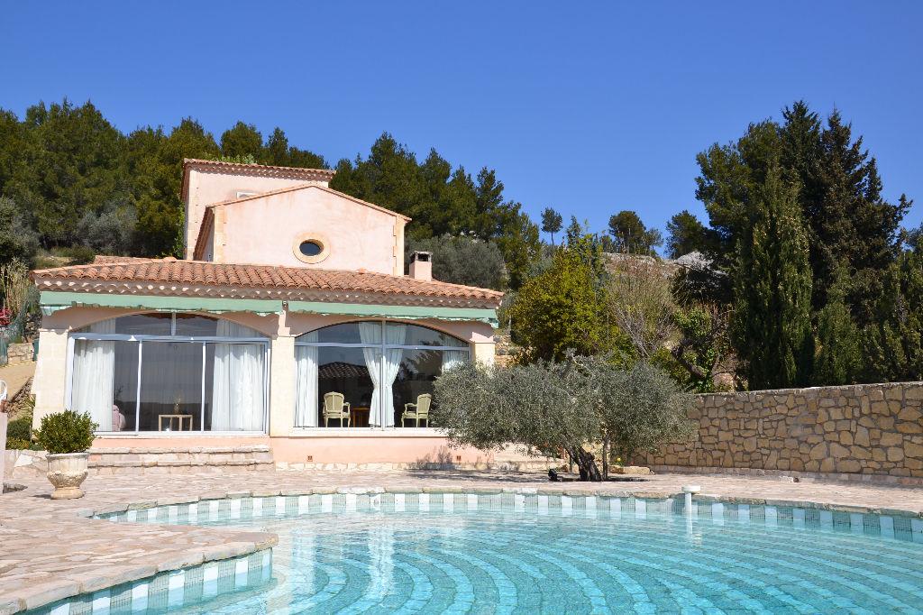 Maison proche Saint Rémy de Provence 7 pièce(s) 230 m2