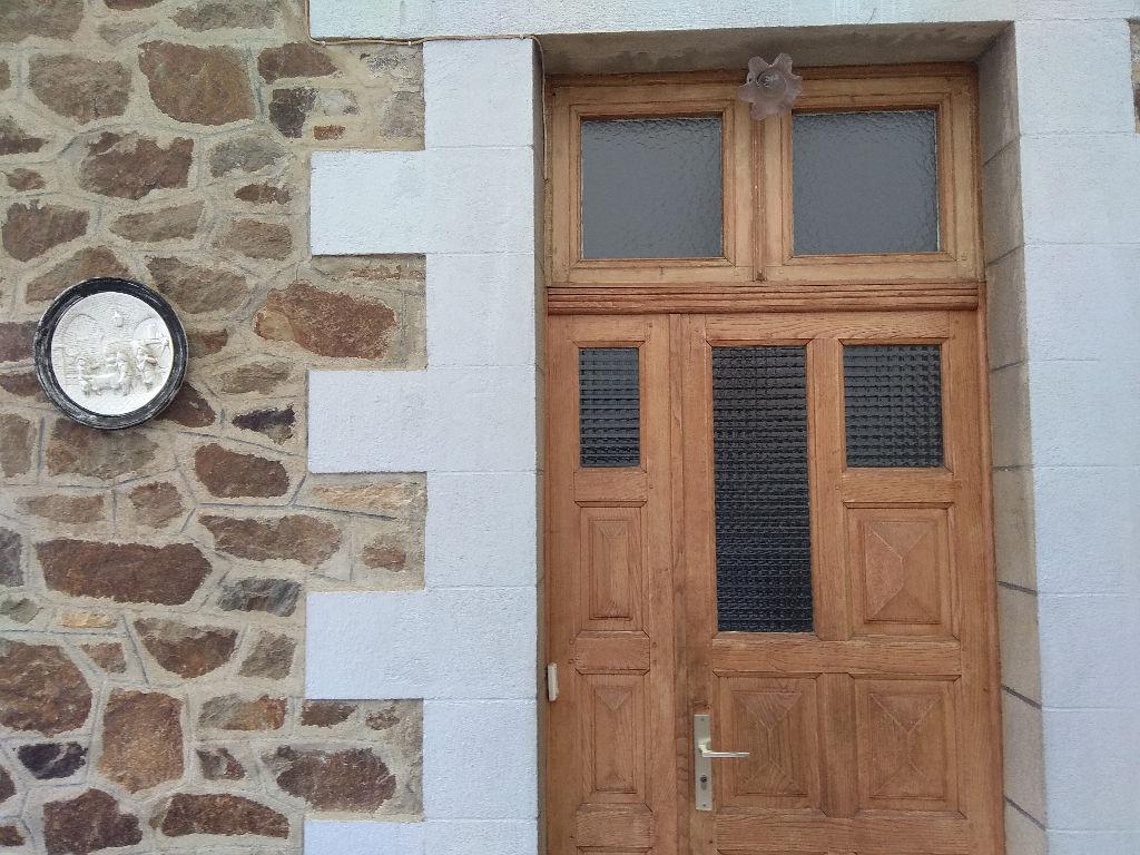 Côtes d'Armor Saint-Brieuc, Maison en pierre sous ardoises de 1930, 4 chambres, terrain+annexes