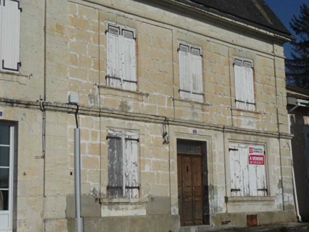 Maison de village Chalais 9 pièce(s) 192 m2